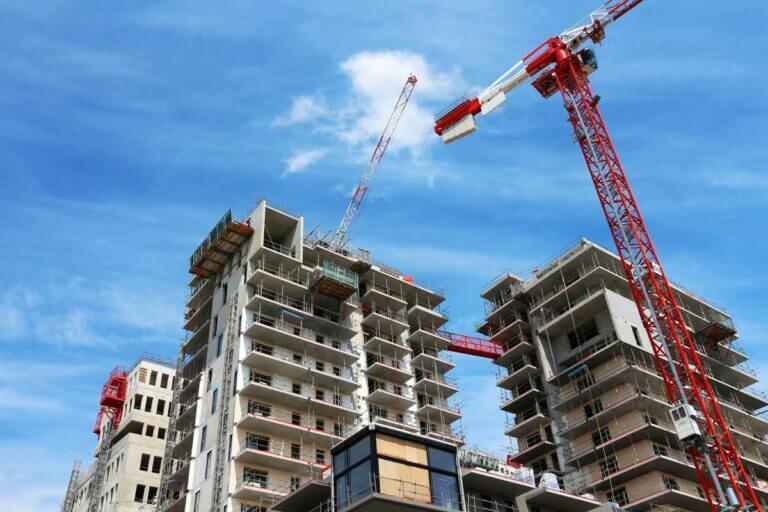 Report mensualités immobilier et retard chantier immobilier