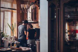 Peterson, couple dans leur maison